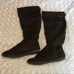 RAMPAGE faux suede boots sz 7 1/2